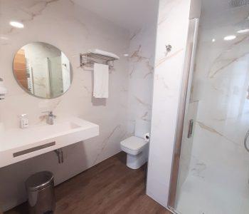 baño habitacion individual